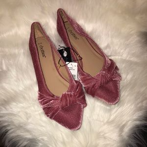 Chattie Ladies Pink Velvet Flats with Bow NWT